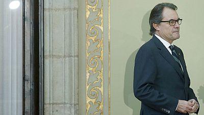 Boletines RNE - Segunda jornada de la sesión de investidura de Mas, con la resolución de la independencia como protagonista - Escuchar ahora