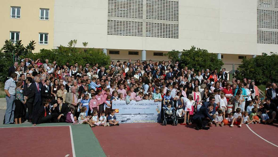 Esto me suena. Las tardes del Ciudadano García - Los Cervera: una familia con más de 700 miembros y un congreso - Escuchar ahora