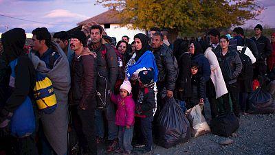 Las mañanas de RNE - Los  líderes de la UE y de África buscan un acuerdo de cooperación en materia de inmigración - Escuchr ar ahora