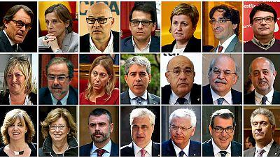 Las mañanas de RNE - El TC suspende la resolución independentista y advierte a 21 altos cargos de sus posibles responsabilidades penales - Escuchar ahora