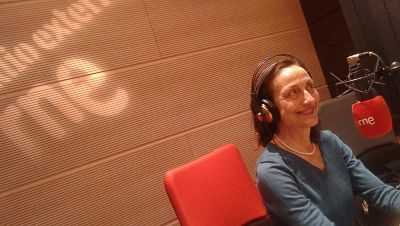 La sala - Don Quijote de la radio, Carme Elías y Belén Cuesta y una experiencia de teatro en solitario - 14/11/15 - escuchar ahora