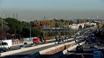 Entre paréntesis - Madrid aplica restricciones de tráfico por los elevados niveles de contaminación - Escuchar ahora
