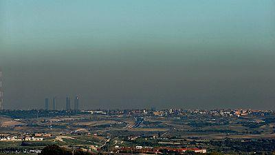 Radio 5 Actualidad - Madrid prohíbe aparcar a los no residentes en la zona SER por la alta contaminación - Escuchar ahora