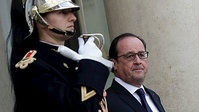 Boletines RNE - Francia invoca por primera vez la claúsula de solidaridad en materia de defensa colectiva - Escuchar ahora