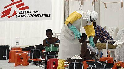 Entre paréntesis - Nuevo caso de ébola en Liberia, tras estar libre de la enfermedad - Escuchar ahora