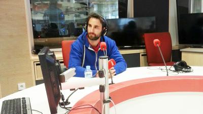 España vuelta y vuelta - Dani Rovira se pasa a la literatura con 'Agujetas en las alas' - Escuchar ahora