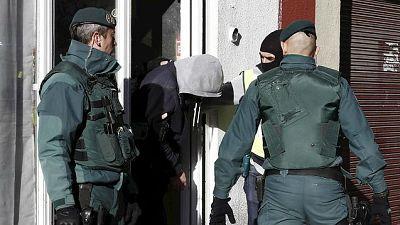 Diario de las 2 - El ministro del Interior afirma que el detenido en Pamplona tenía previsto viajar a Siria - Escuchar ahora