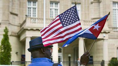 Entre paréntesis - ¿Cómo han cambiado las relaciones entre Cuba y EE.UU. en el último año? - Escuchar ahora