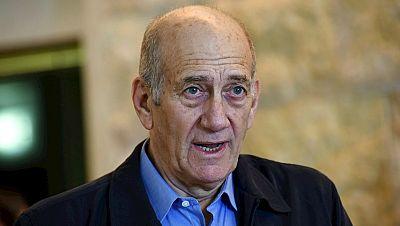 Boletines RNE - Ehud Olmert, primer jefe de Gobierno de la historia de Israel en ir a prisión - Escuchar ahora