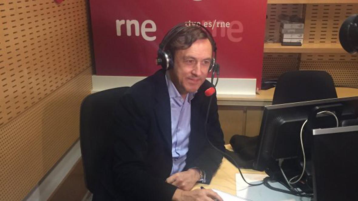 """Las mañanas de RNE - Hernando pide al PSOE que no caiga en las """"trampas infantiles"""" de Podemos - Escuchar ahora"""