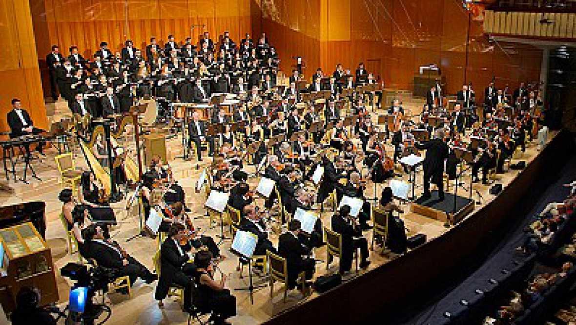 Artesfera - Concierto solidario de Banda Sinfónica Municipal de Madrid - 04/01/16  escuchar ahora