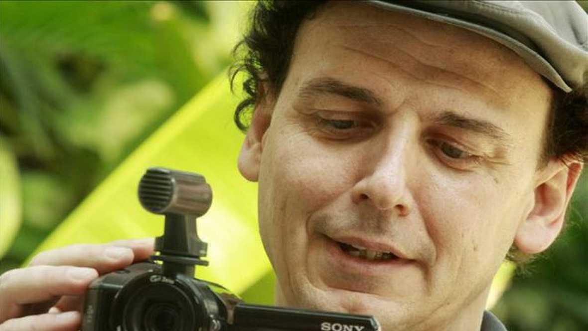 Salimos por el mundo - José Luis Guerín y su último largometraje, 'La academia de las musas' - 07/01/16 - escuchar ahora