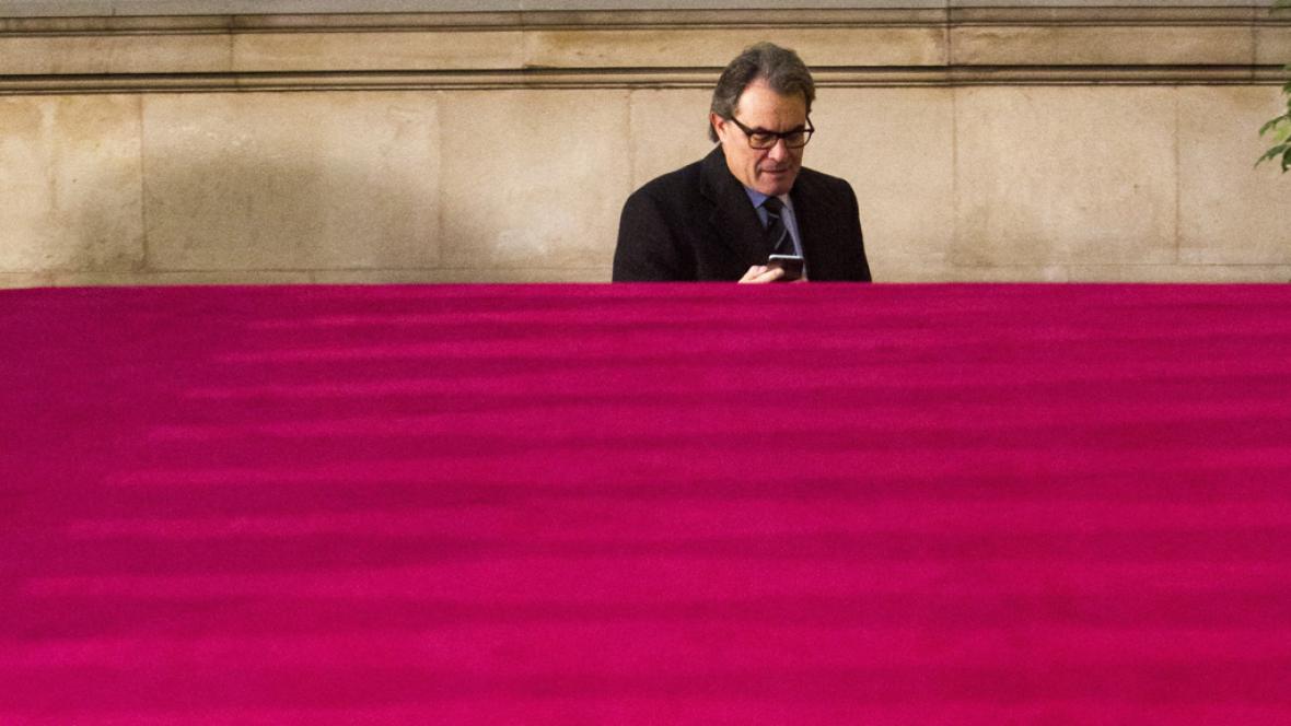 Diario de las 2 - Últimos intentos para alcanzar un acuerdo en Cataluña - Escuchar ahora