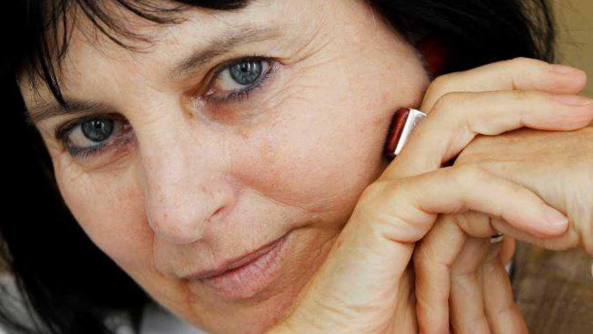 Artesfera - Chantal Maillard no presenta 'La mujer de pie' - 07/01/16 - escuchar ahora