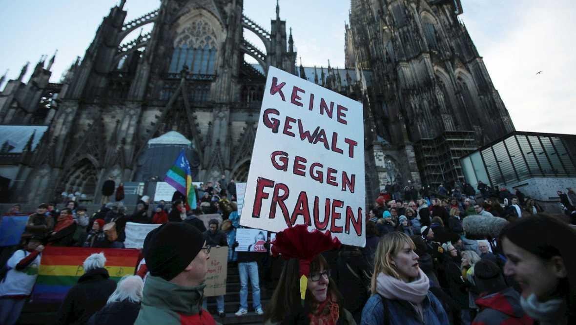 Alemania dispuesta a retirar el asilo y residencia a los refugiados condenados - Escuchar ahora