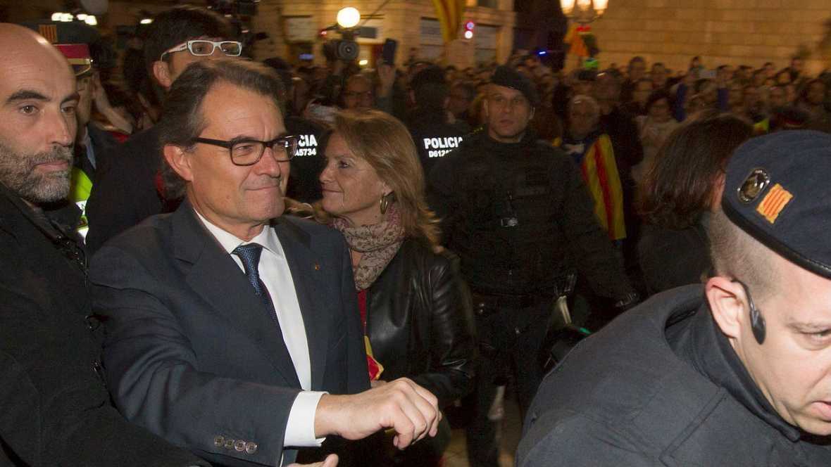 A grito de president fue despedido Artur Mas - Escuchar ahora