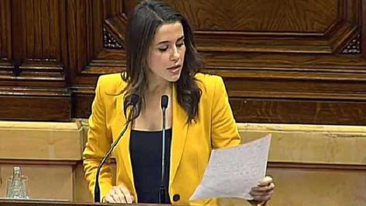 "Arrimadas: ""Investir a Carles Puigdemont es lo mismo que investir a Artur Mas"" - Escuchar ahora"