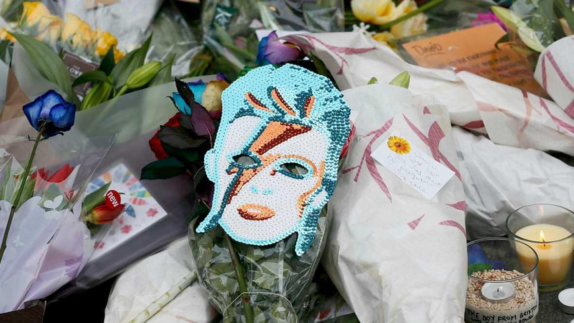 Entre paréntesis - Conmoción por la muerte de David Bowie - Escuchar ahora