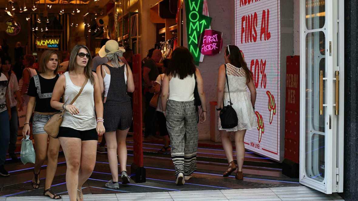 Entre paréntesis - Las reclamaciones de los consumidores aumentan casi un 200%, según FACUA - Escuchar ahora