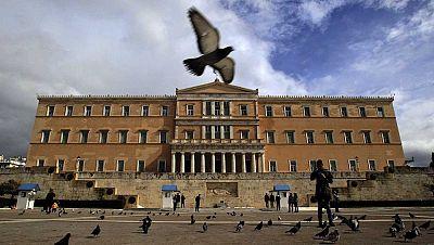 Las mañanas de RNE - El cumplimiento de Grecia y las exigencias a Chipre centran la primera reunión del Eurogrupo de 2016 - Escuchar ahora