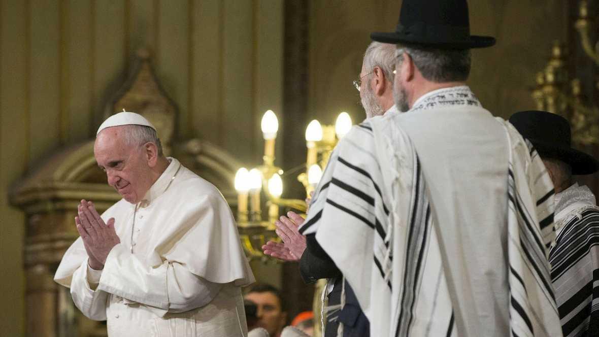 Tercer Papa que pisa la sinagoga de Roma  y reprobó la violencia - Escuchar ahora
