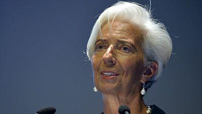 Entre paréntesis - El FMI rebaja sus previsiones para la economía mundial - Escuchar ahora
