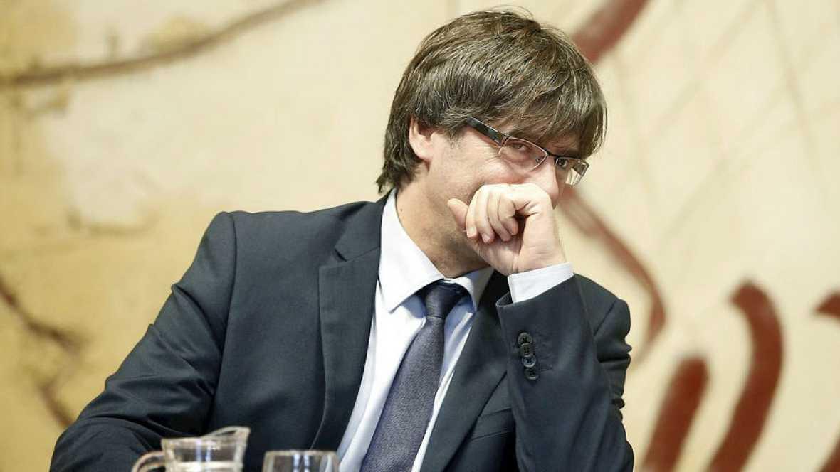 """Boletines RNE - Puigdemont asegura que su objetivo es llevar a Cataluña """"a las puertas de un nuevo Estado"""" - 20/01/16 - Escuchar ahora"""