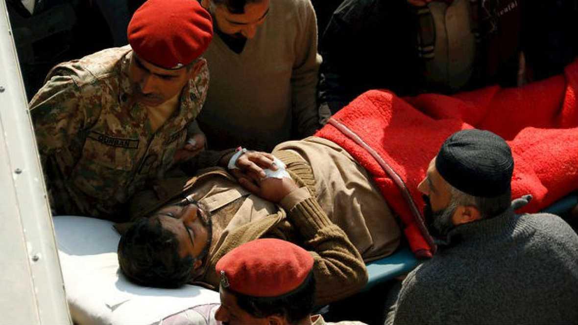 Radio 5 Actualidad - Una veintena de muertos en un ataque talibán en Pakistán - 20/01/16 - Escuchar ahora