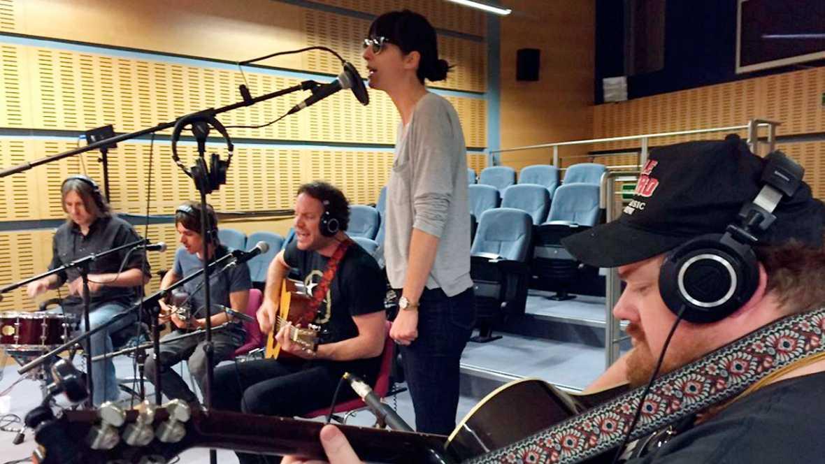Como lo oyes - Desde California... Nicki Bluhm & The Gramblers - 21/01/16 - escuchar ahora