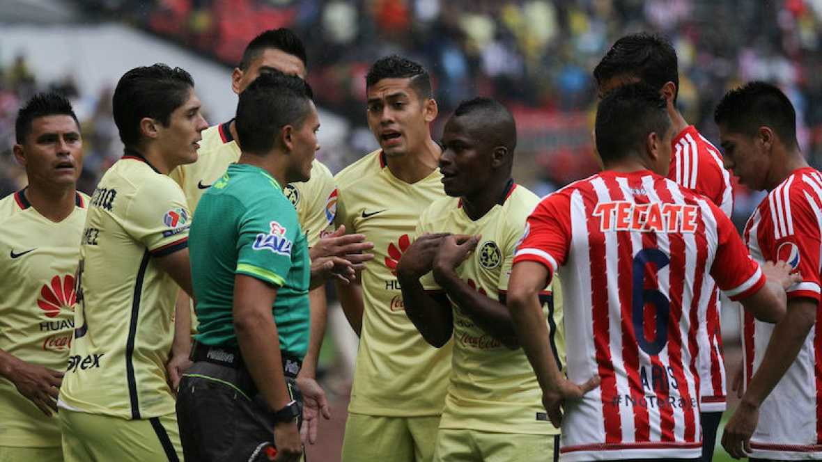 No juegues contra el deporte - Expresiones homófobas en el fútbol mexicano - 23/01/16 - Escuchar ahora