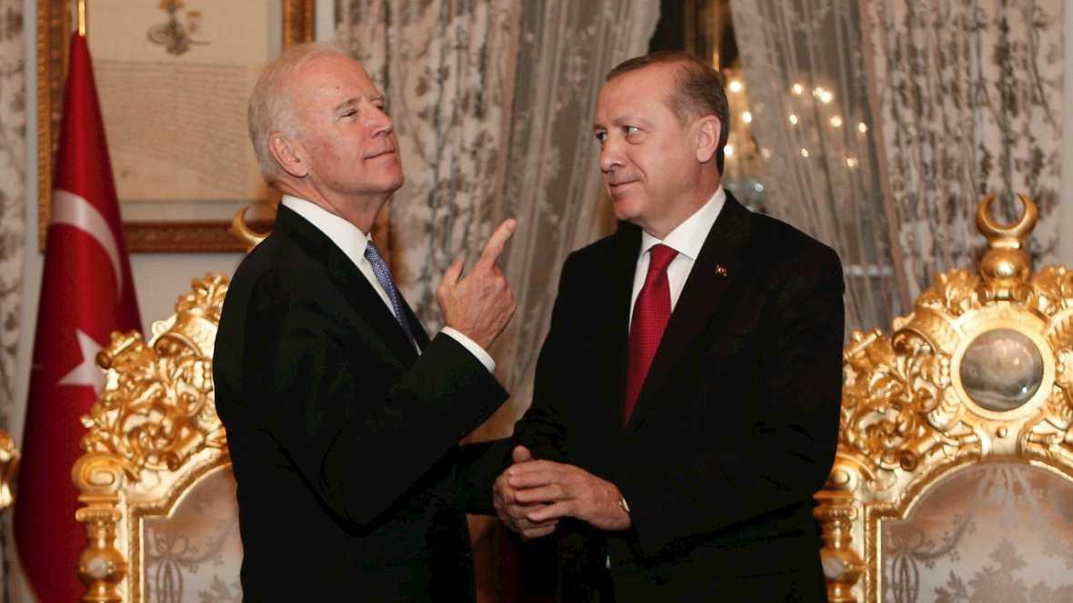 Biden asegura que hay una opción militar para Siria si fracasa la política - Escuchar ahora