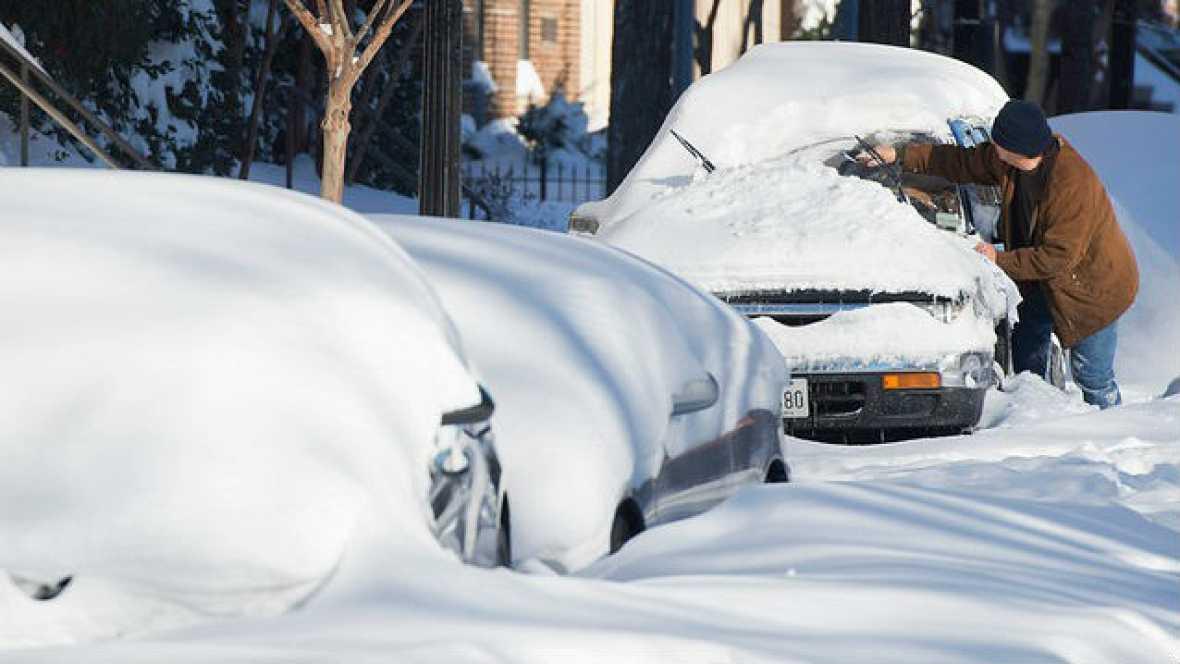 Las mañanas de RNE - La costa este de EE.UU. se recupera de la nevada - Escuchar ahora