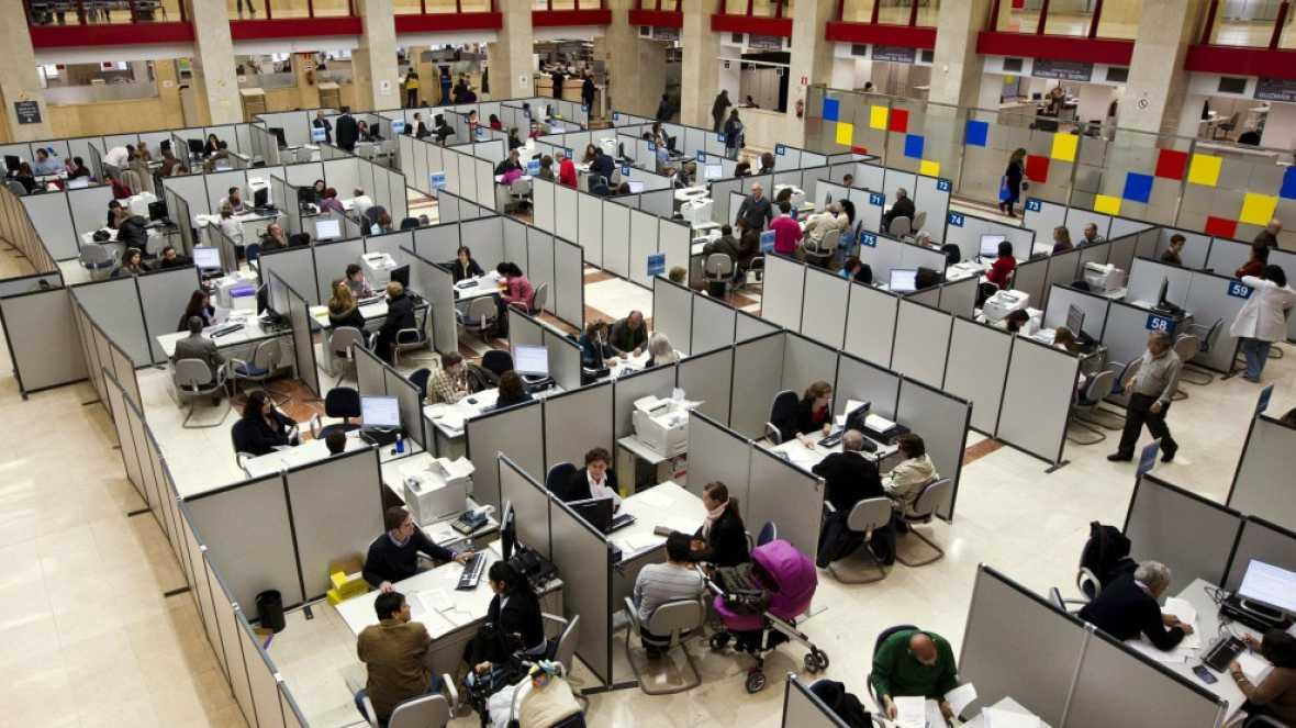 Diez minutos bien empleados - La Administración, ¿en los huesos? - Escuchar ahora