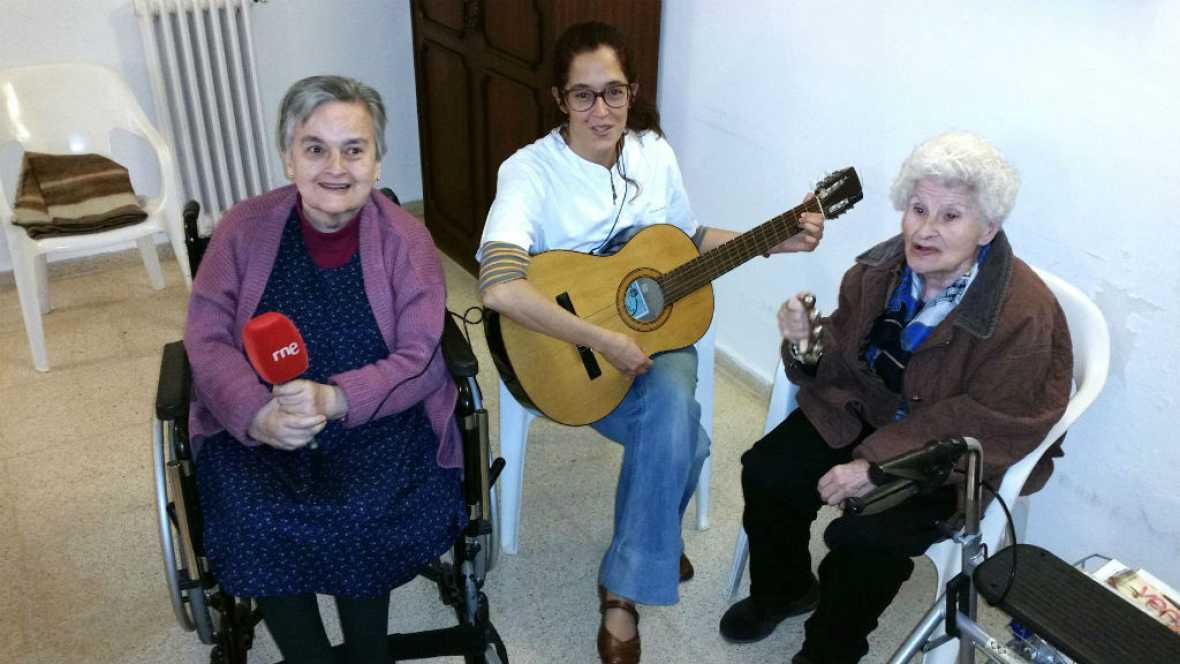 Radio 5 Actualidad - La musicoterapia hace felices a nuestros mayores - 25/01/16 - Escuchar ahora