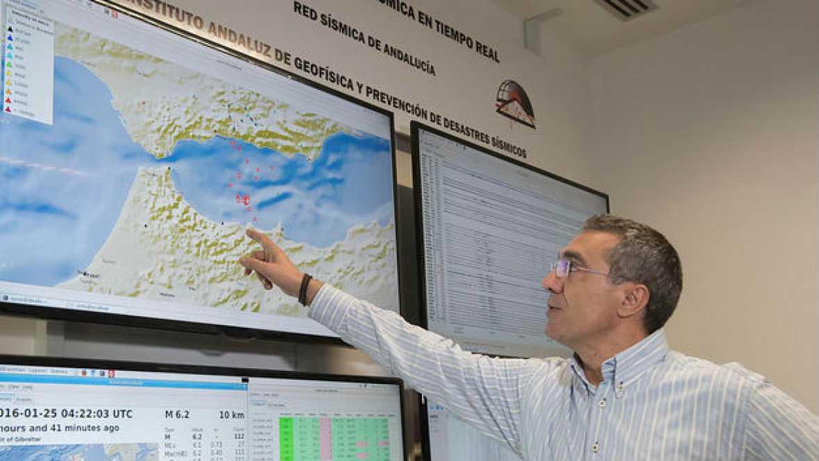 Radio 5 Actualidad - En Melilla se registran hasta 250 réplicas - 26/01/16 - Escuchar ahora