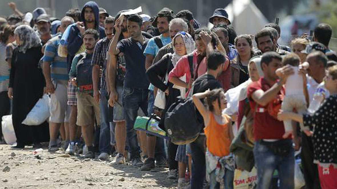 En un mundo feliz en Radio 5 - Europa deja mucho que desear en el asilo a los refugiados - 30/01/16 - Escuchar ahora
