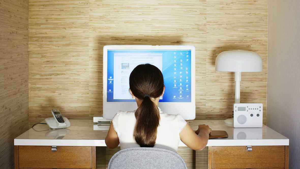 Entre paréntesis - Derechos y responsabilidades de los menores en la red - Escuchar ahora