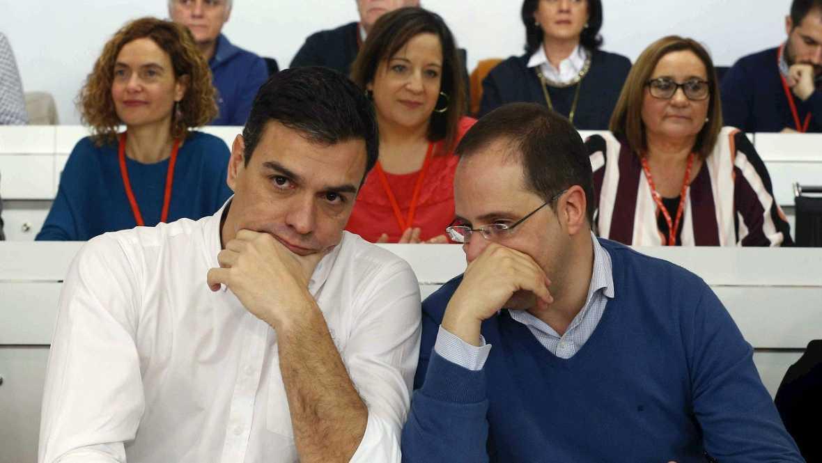 Informativos fin de semana -14 horas - Decisión inédita en el PSOE, Pedro Sánchez consultará a la militancia los pactos de gobierno - Escuchar ahora