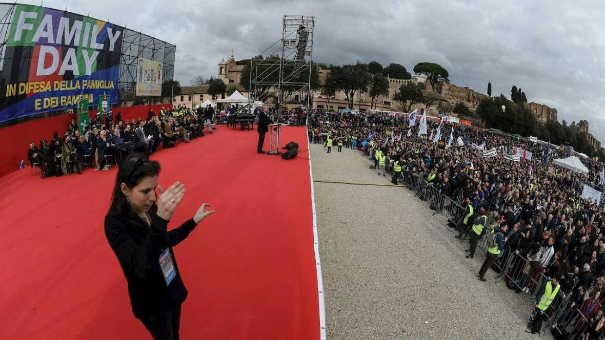 Family Day en Italia contra el reconocimiento de parejas homosexuales - Escuchar ahora