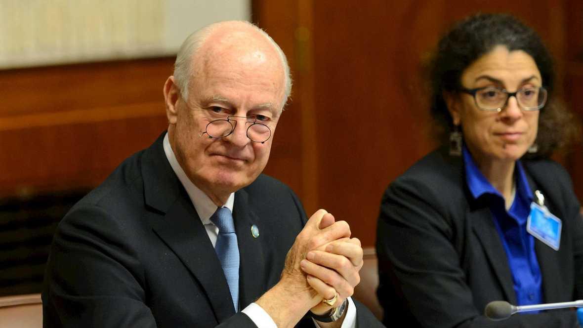 Informativos fin de semana - 14 horas - La oposición siria habla con el mediador de la ONU pero no se incorpora a la mesa de negociación - Escuchar ahora