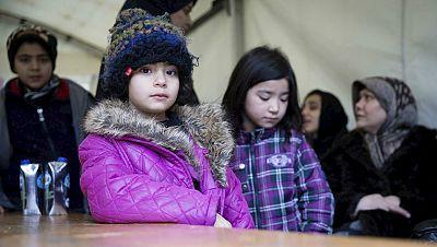 Entre par�ntesis - Europol alerta de que m�s de 10.000 menores refugiados est�n ilocalizables - Escuchar ahora