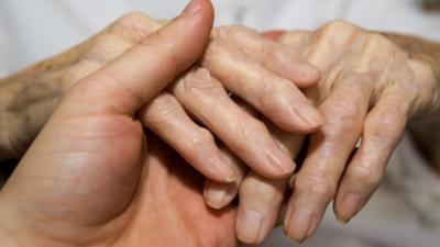 España vuelta y vuelta - Lo que no se sabe de las enfermedades reumáticas - Escuchar ahora