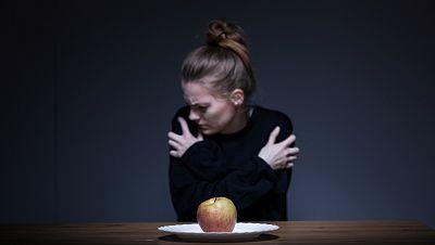 Entre par�ntesis - Aumentan los trastornos alimentarios en adultos - Escuchar ahora