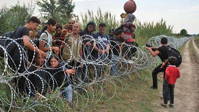 Europa abierta - La Comisi�n Europea da la bienvenida a la ayuda de la OTAN en la crisis de los refugiados - escuchar ahora