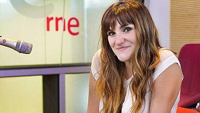 España.com en REE - Desayunando con la magia de Rozalén - escuchar ahora