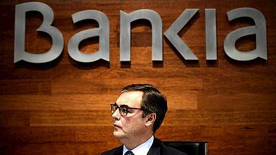 Entre paréntesis - ¿Qué hacer para recuperar la inversión en Bankia? - Escuchar ahora
