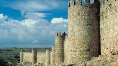 España vuelta y vuelta - Un viaje por las 15 ciudades españolas Patrimonio de la Humanidad - Escuchar ahora