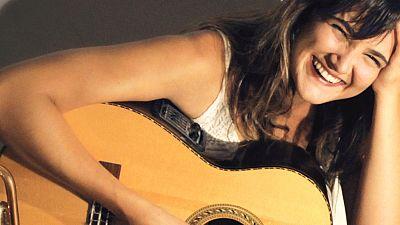 Entre paréntesis - La rumba de María Cambray suena a jazz, salsa, soul y swing - Escuchar ahora