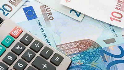 Radio 5 Actualidad - La deuda financiera de los hogares españoles bajó en enero - Escuchar ahora