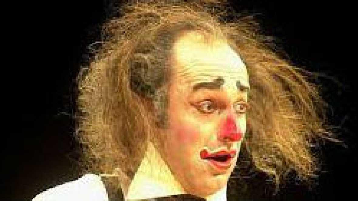 Las mañanas de RNE - 'Clown esencial', un libro para pensar a través del humor - Escuchar ahora